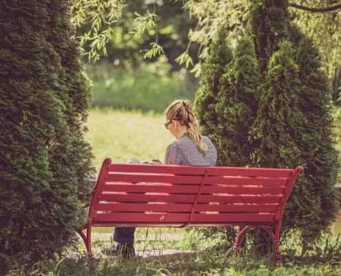 A Teoria Evolucionista da Personalidade considera que a presença constante de indivíduos introvertidos na população tem uma razão. Leia o artigo e descubra qual é!