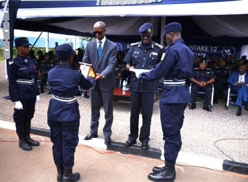 Polisi pass 3