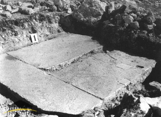 قاعدة بازينا مبلطة , صورة J.Meunier