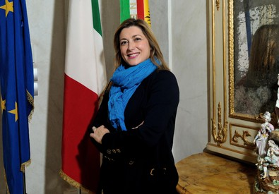 Roma boccia anche la 'scienziata' Contrafatto. Le proteste di Stoccolma