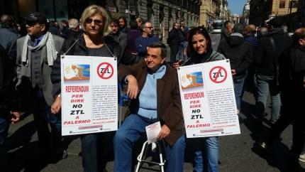 Palermo, retromarcia sulle ZTL (almeno per ora)