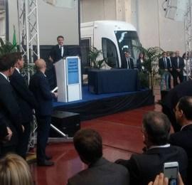 """Renzi: """"L'Italia ha bisogno della Sicilia"""". Già, un bancomat serve sempre..."""
