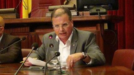 """La Sicilia come la Grecia, Massimo Costa: """"Licenzieranno centomila persone. Prepariamoci all'Indipendenza"""""""