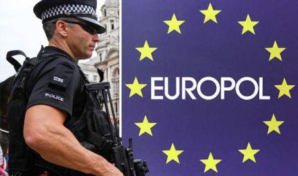 Il traffico di migranti vale almeno 6 miliardi di euro. Parola di Europol e Interpol