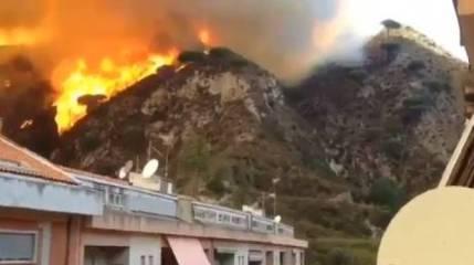 """Incendi/ La drammatica testimonianza della gente a Messina: """"Sembrava la fine del mondo"""""""