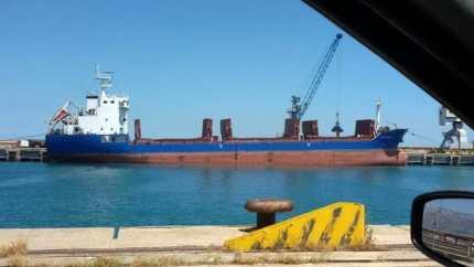 Una nave ha scaricato oltre 4 mila tonnellate di grano a Pozzallo senza alcun controllo