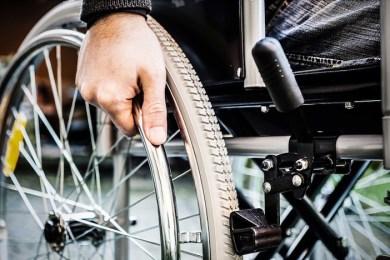 """Polemiche sui pagamenti ai disabili gravissimi. Le ASP temono scene da """"Benvenuti al Sud""""?/ MATTINALE 99"""