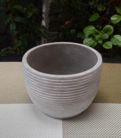 Maceta cemento rayada - Foto frontal - Tamaño 12 cm diámetro