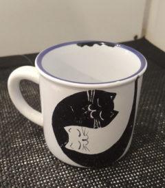 Foto 1 - Taza Retro Mini - Diseño gatos acurrucados