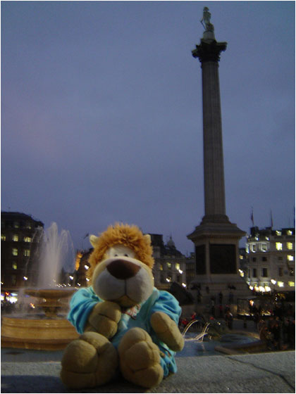 Alex de Leeuw in London Trafalgar Square
