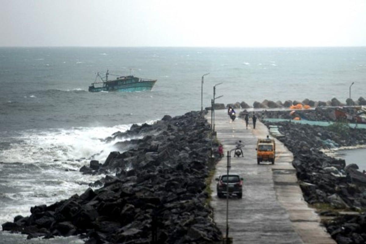 nivar makes landfall, weakens into severe cyclonic storm - inventiva