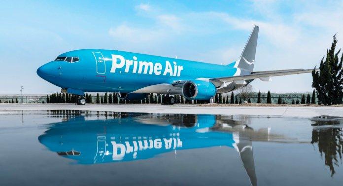 Amazon Air B737 800F