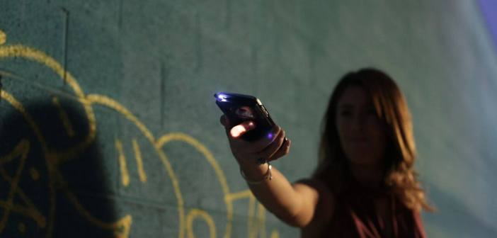 Volt Case movil pistola taser