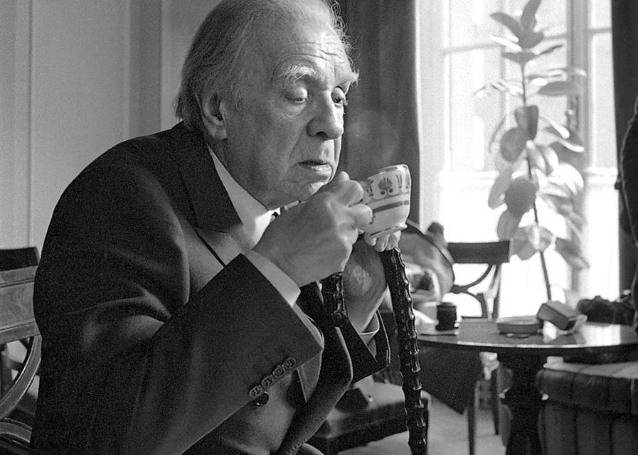 What I Lost When I Translated Jorge Luis Borges — by Andrew Hurley