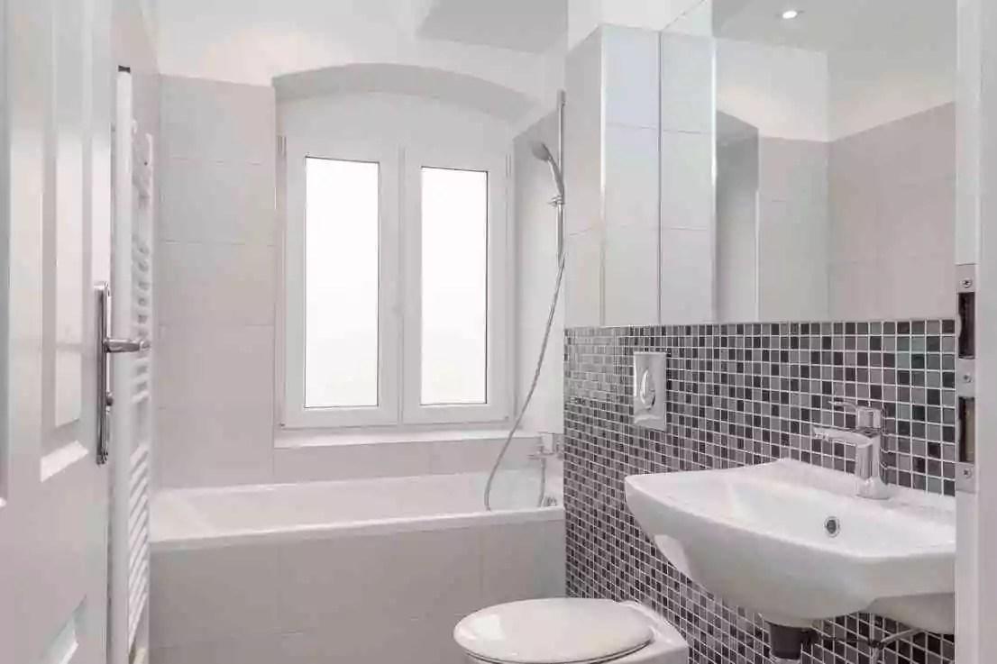 2011 Showcase of Homes traditional-bathroom