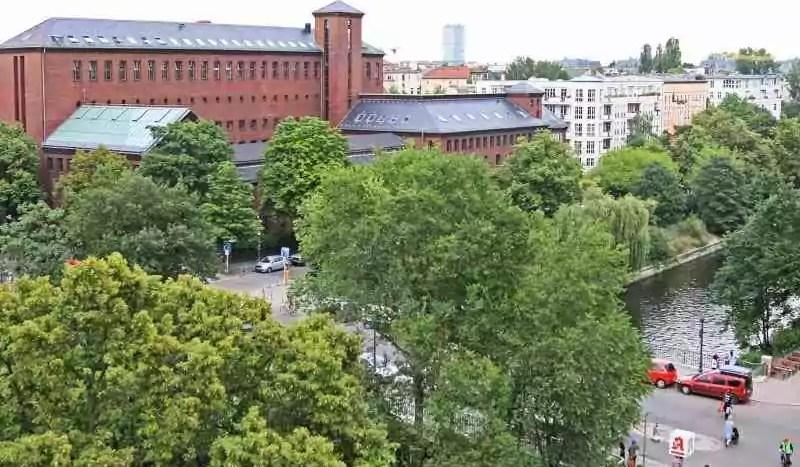 Balcony view (comm.)