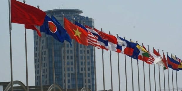 ASEAN Lures More Foreign Investment Than China