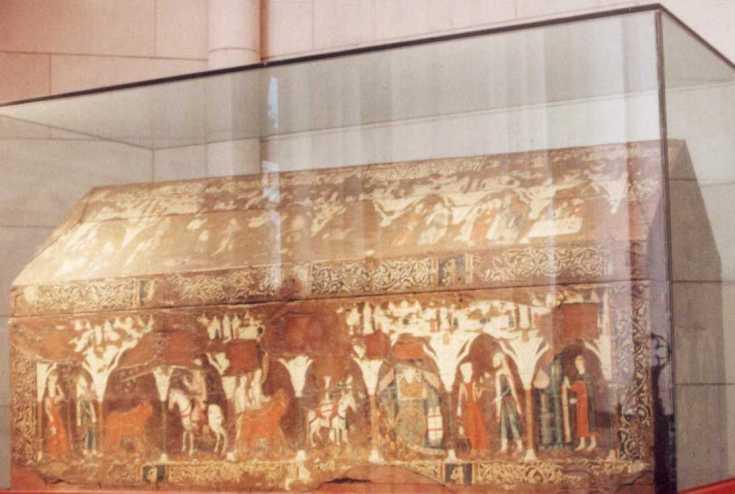 """Arca """"mosaica"""" de San Isidro. ca. 1213. Madera, pergamino y estuco. Madrid, Catedral de la Almudena."""