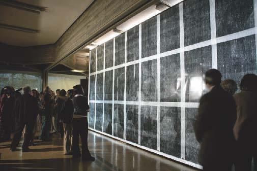 Exposición de la radiografía del Guernica en el IPCE.