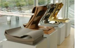 Anthony Caro: Open Secret, 2004.