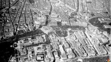 Vista del barrio de Jerónimos hacia 1925. Señalado en un recuadro negro el palacete.