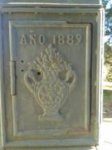 Pedestal de la fuente del siglo XIX.