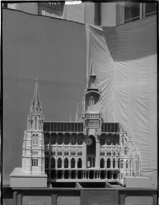 Maqueta del proyecto de Catdral de la Almudena. Foto: IPCE archivo Ruiz-Vernacci.