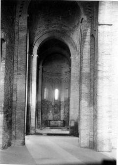 Nave lateral de la Iglesia de Santiago del Arrabal en 1950. Foto: Biblioteca Digital de Castilla la Mancha.