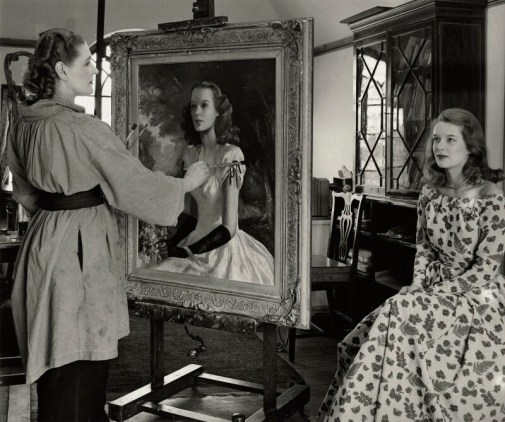 Tom Blau: Anna Zinkeisen retratando a Sally Ann Howes, 1948. National Portrait Gallery, Londres.