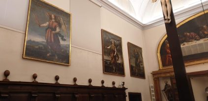 Coro del convento de la Encarnación con los lienzos de Bartolomé Román con Uriel, Barachiel y Jehudiel. foto: @cipripedia.