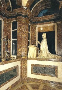 Japopo da Trezo y Pompeo Leoni. Capilla funeraria de Juana de Austria. Descalzas Reales de Madrid. Foto: Pasión por Madrid.