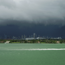 Miami summer shower - Offshore Company