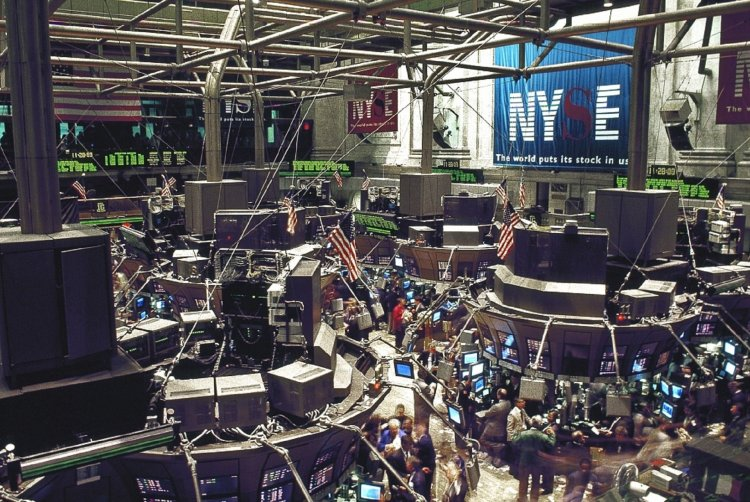 Asset Managers stock exchange trading floor New York Manhattan