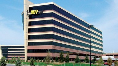 Best Buy Earnings Top Views In First Quarter As Retailer Guides Higher | Investor's Business Daily