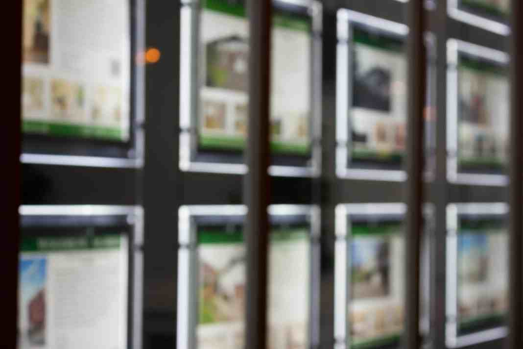 UK estate agents showing signs of financial distress