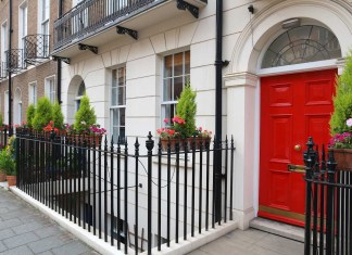 London house prices fall for second time in 23 years