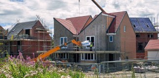 Redrow reports record profit