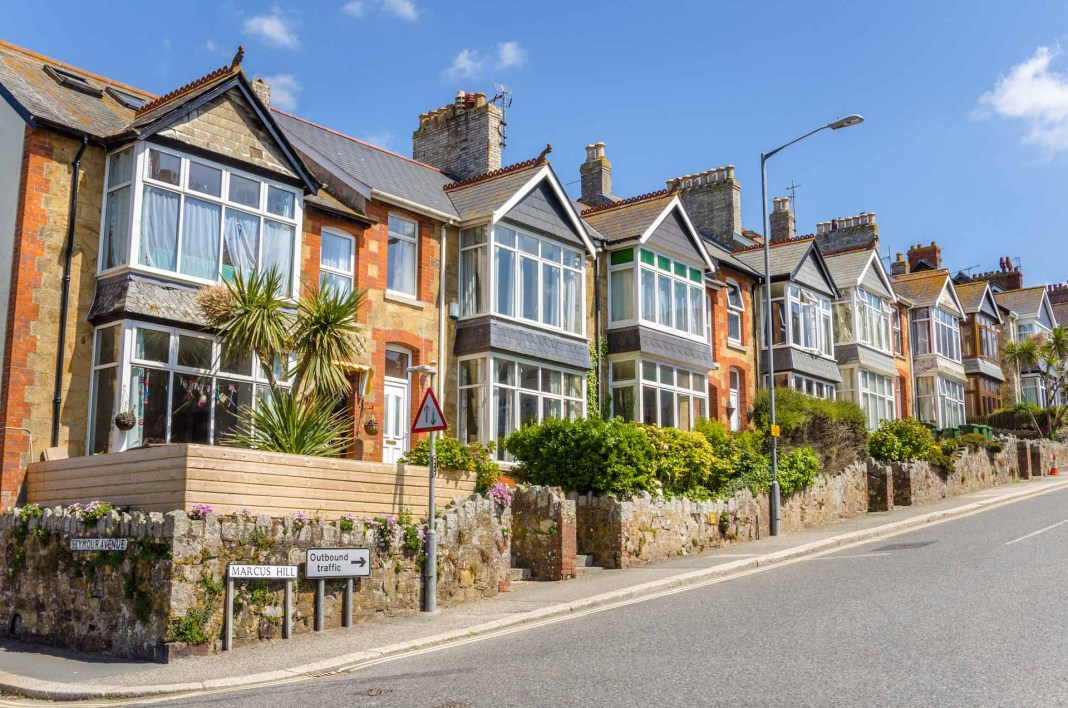Brexit delay gives boost to housing market