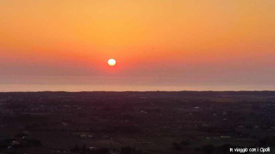 tramonto sul mare toscano