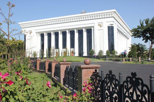 Viaggio in Uzbekistan, il Dom Forum di Tashkent