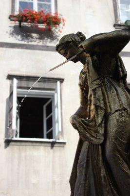 Viaggio a Lubiana, scultura in piazza del Pesce, la Ribji trg (Slovenia)