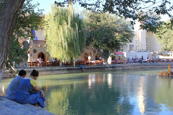 Viaggio in Uzbekistan, vasca Lyabi-Hauz a Bukhara