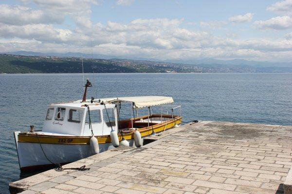 Viaggio a Opatija, la banchina del vecchio porto (Croazia)