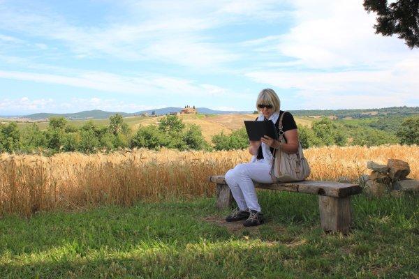 Viaggio in Toscana, paesaggio in Val d'Orcia nei pressi della Cappella della Madonna di Vitaleta (Italia)
