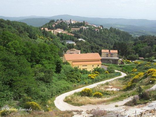 Viaggio in Toscana, abitato di Monterotondo Marittimo (Italia)