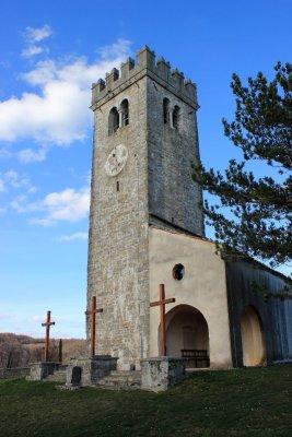 La chiesa di Santa Croce a Kojsko nel Brda in Slovenia