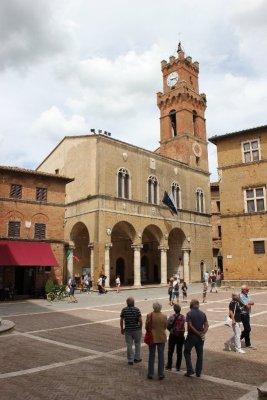 Piazza Pio II a Pienza in Toscana