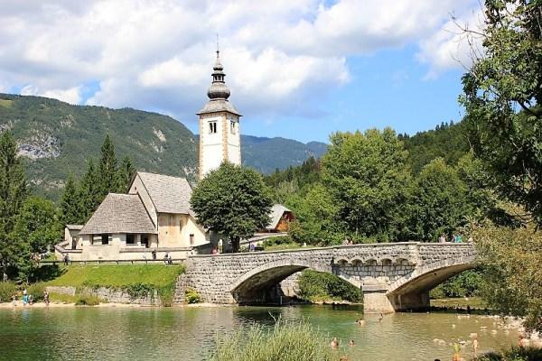Chiesa San Giovanni Battista lago Bohinj
