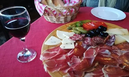 Tagliere salumi e formaggi misti Istria