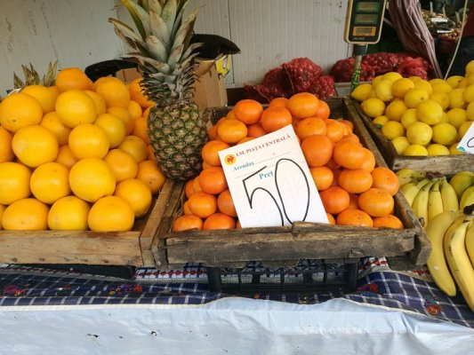Frutta mercato Piaţa Centrală Chişinău